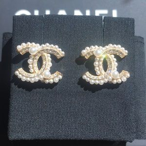 Chanel Classic Pearl and Gold Earrings.